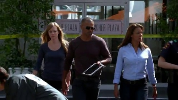 AJ Cook, Shemar Moore, and guest star Eva LaRue knock it out and catch that UnSub in episode 9x03, Final Shot