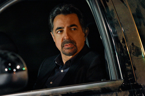Joe Mantegna as SSA Dave Rossi.